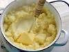 Гуляш с подливкой и картофельным пюре, как в садике